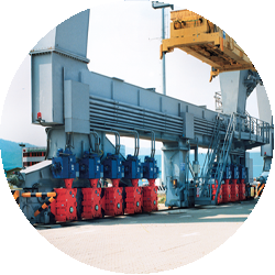 Undercarriage drives for harbor cranes | Heavy duty industry
